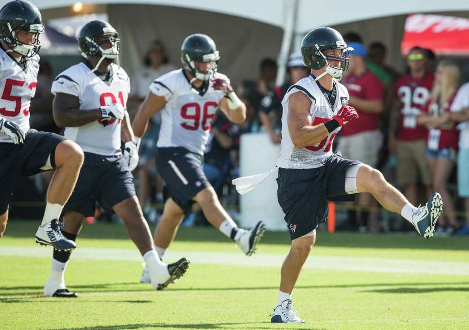 Houston Texans linebacker Brian Peters (52) runs during warm ups during Texans training camp at Houston Methodist Training Center on Sunday, Aug. 7, 2016, in Houston. Photo: Brett Coomer, Houston Chronicle / © 2016 Houston Chronicle
