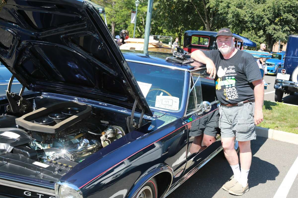 The second annual Fairfield University Antique and Classic Car Show was held on August 7, 2016 at the Fairfield University Quick Center. Attendees enjoyed live music, food and ice cream truck, a raffle and of course, lots of classic cars. Were you SEEN?