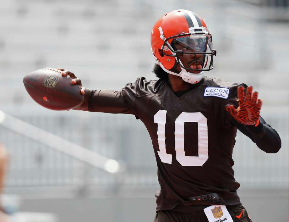 Cleveland Browns quarterback Robert Griffin III drops back to pass during their orange and brown scrimmage at the NFL football team's training camp Saturday, Aug. 6, 2016, in Columbus, Ohio. (AP Photo/Jay LaPrete) Photo: Jay LaPrete, Associated Press / FR52593 AP