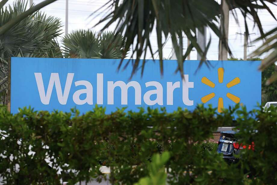 """Sales at U.S. Wal-Mart stores open more than 12 months rose 1.6 percent last quarter, which ended July 31, the Bentonville, Arkansas-based company said in a statement Thursday. The closely watched measure — known as """"comps"""" — had been projected to gain 1 percent, according to Consensus Metrix. Photo: Joe Raedle / / 2015 Getty Images"""