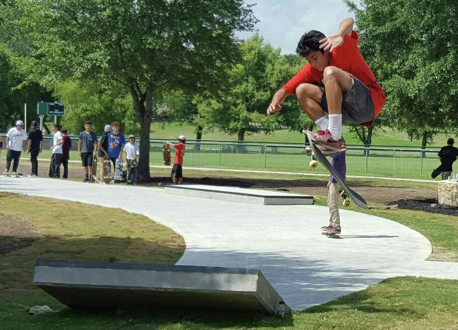 skaters bikers turn out to christen new live oak skate park san antonio express news. Black Bedroom Furniture Sets. Home Design Ideas