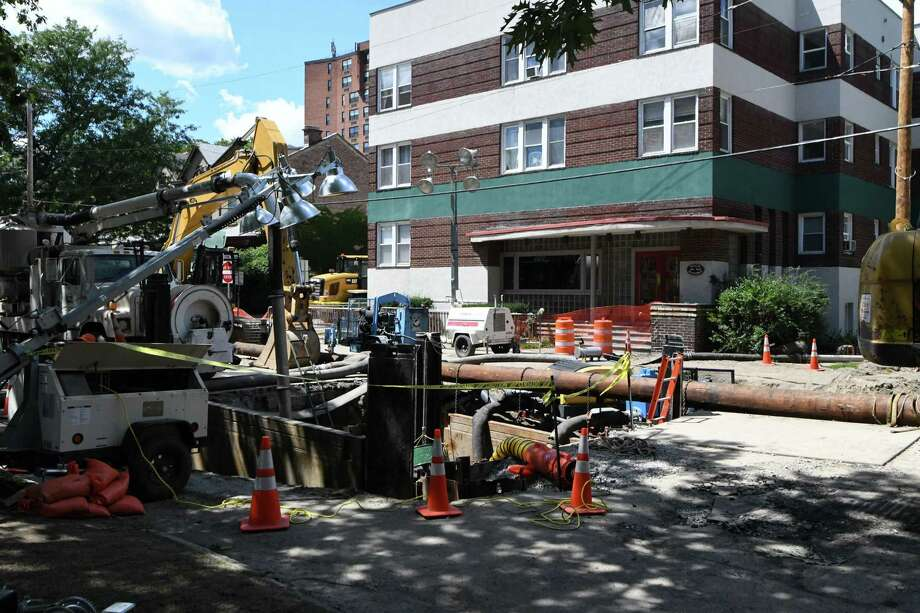 Work continues on the South Lake sinkhole in Albany on Monday lunchtime, Aug, 8, 2016, in Albany, N.Y. (Will Waldron/Times Union) Photo: Will Waldron