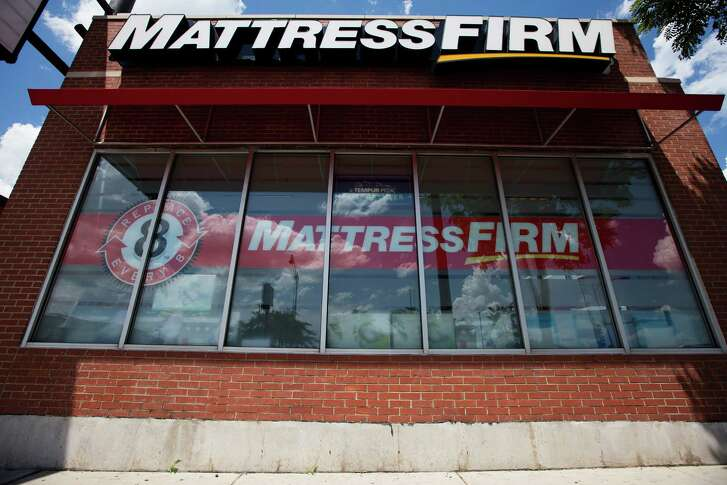 A Mattress Firm storefront on West Roosevelt Rd. and South Canal St. on Thursday, July 14, 2016, in Chicago.  (Brandon Chew/Chicago Tribune/TNS)
