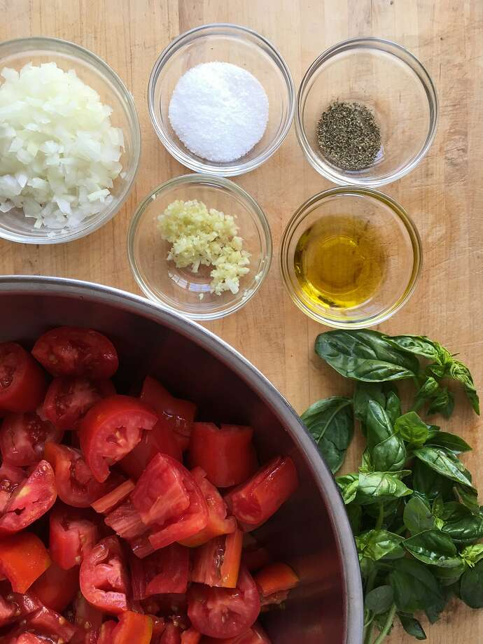 Ingredients for easy-to-make tomato sauce using fresh tomatoes. Photo: Sarah Fritsche