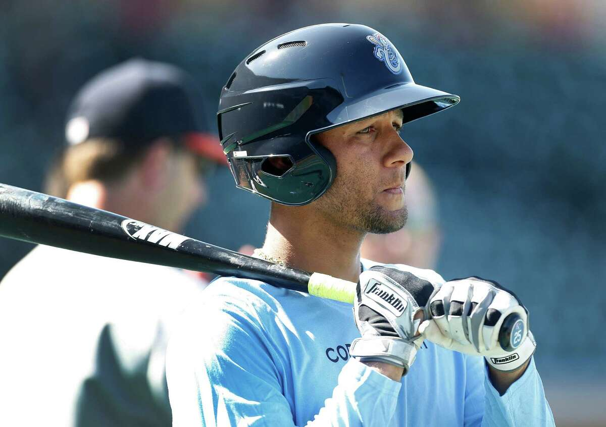 Astros prospect Yulieski Gurriel, the recently signed Cuban infielder, during batting practice at Whataburger Field at the AA Corpus Christi Hooks, Tuesday, Aug. 9, 2016, in Corpus Christi .