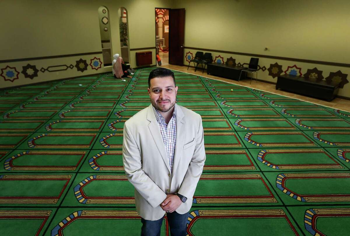 Alex Gutierrez, director of development and operations at the Islam in Spanish Centro Islamico, poses for a portrait in the center's mosque Friday, Aug. 5, 2016, in Houston. Gutierrez was raised Catholic, but he has been a Muslim for 12 years.