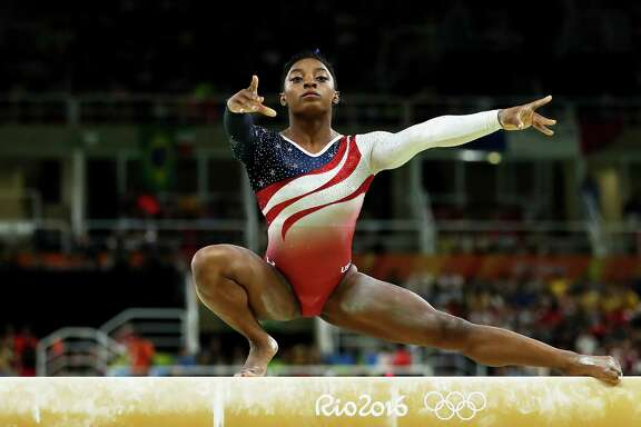 Led by Simone Biles, the United States team did not have a significant error in any of its routines while lapping the field Tuesday.