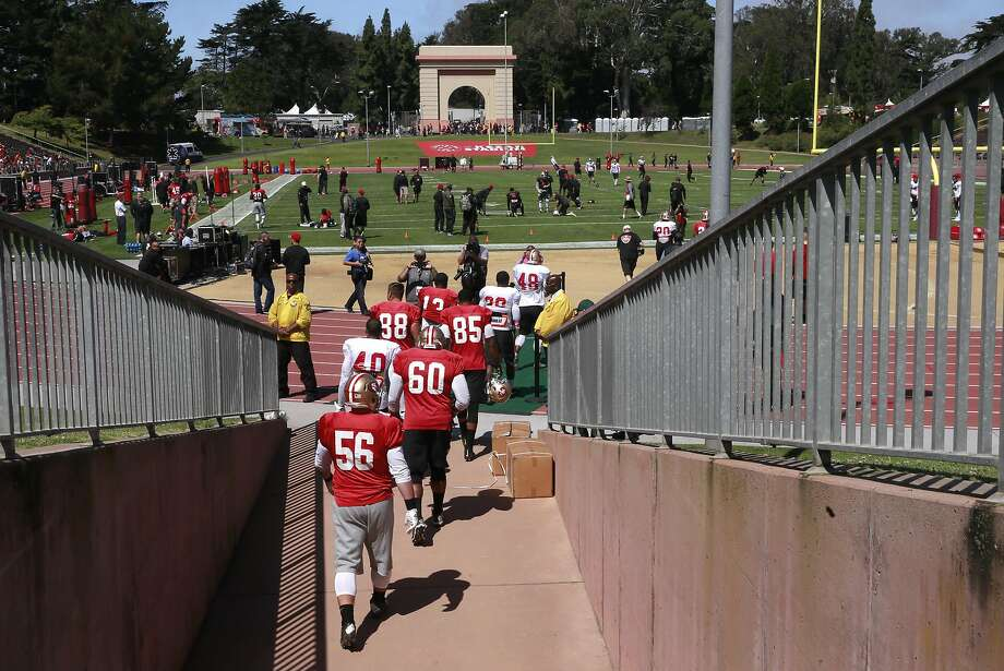 Players take the field as the San Francisco 49ers hold a practice open to the public, at Kezar Stadium in San Francisco , California, on Wed. Aug. 10, 2016. Photo: Michael Macor, The Chronicle