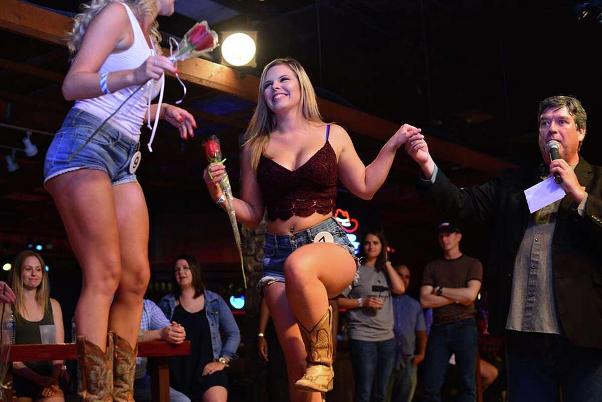 A Daisy Dukes contest drew a crowd to San Antonio's Midnight Rodeo on Wednesday, Aug. 10, 2016.