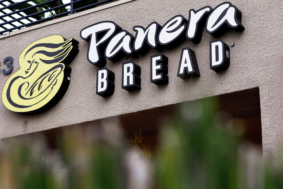 "Panera has issued a ""Kids Meal Promise"" saying it won't encourage children to drink soda and eat french fries or use cartoon characters or toys to push its meals. It's also going to introduce a new kids menu next month, using revamped recipes for items such as turkey sandwiches and macaroni and cheese made without artificial preservatives or sweeteners. Photo: Bloomberg News /File Photo / © 2013 Bloomberg Finance LP"