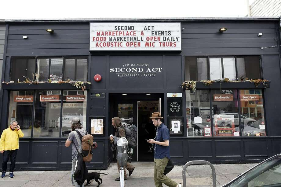 The Booksmith will expand into Second Act Marketplace's space Nov. 1. Photo: Michael Short, Special To The Chronicle