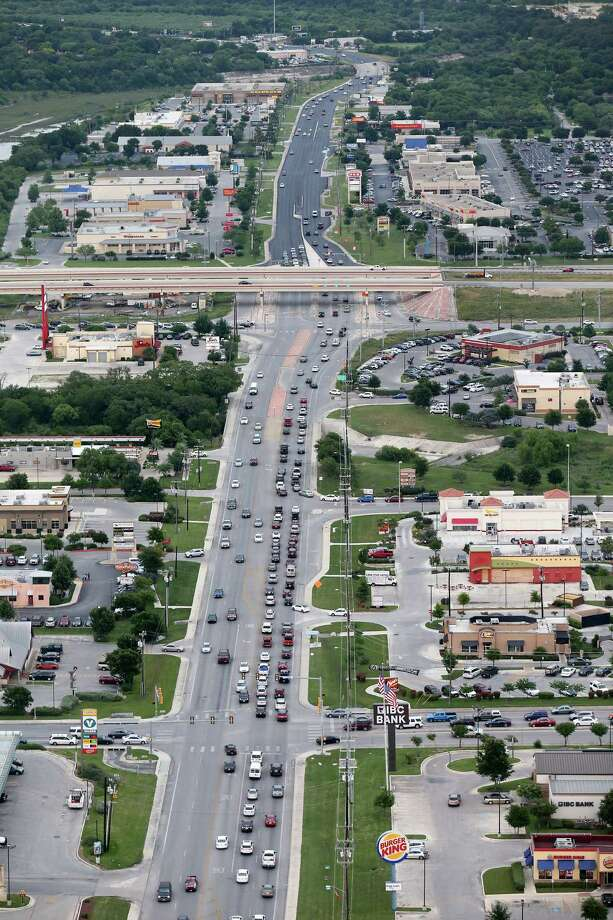 """Traffic flows on Culebra Road near Loop 1604. A section of Culebra not far to the west is part of a road expansion project, and officials plan to do more work farther west later. """"The growth in this area has been tremendous over the last several years,"""" said District Engineer Mario Jorge of the Texas Department of Trans portation. Photo: Edward A. Ornelas / San Antonio Express-News / © 2016 San Antonio Express-News"""