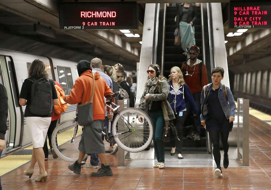 Bart returns to regular service with only 10 minute delays heading toward the airport at 24th St. Bart station on Friday, August 12, 2016, in San Francisco, Calif. Photo: Liz Hafalia, The Chronicle