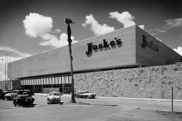 Joske's department store at Gulfgate Shopping Center, Houston Texas, Sept. 19, 1956. HOUCHRON CAPTION (03/01/2005) SECNEWS: JOSKE'S IN 1956: Joske's, Beall's, Weiner's and Battelstein's have given way to national giants Costco, Sam's, Best Buy and Wal-Mart.