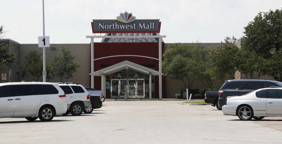 Northwest Mall near the Highway 290, IH 610, and Interstate 10 interchange Monday, Sept. 22, 2014, in Houston. ( James Nielsen / Houston Chronicle ) Photo: James Nielsen/Houston Chronicle