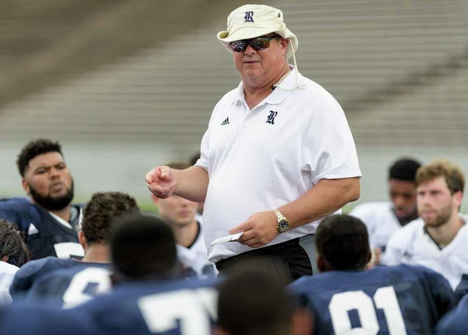 Rice Owls Head Coach, David Bailiff talks to his team after  the inter squad scrimmage on Saturday, August 13, 2016 at Rice Stadium in Houston Texas. Photo: Wilf Thorne, For The Chronicle / © 2016 Houston Chronicle