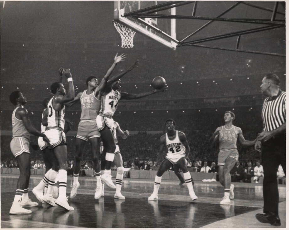 01/20/1968 - UH v UCLA MENS BASKETBALL -- Elvin Hayes grabs a rebound from UCLA's Lew Alcindor in their Astrodome match. Jan. 20, 1968. Alcindor later known as Kareem Abdul-Jabbar. Photo: HC Staff / Houston Chronicle