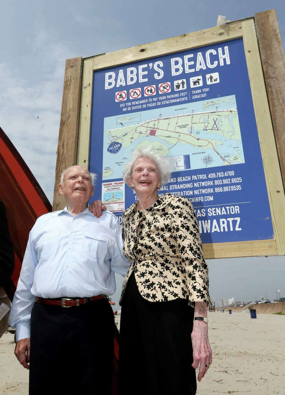 """Former Texas Sen. A.R. """"Babe"""" Schwartz and his wife, Marilyn, celebrate the dedication of Babe's Beach in Galveston earlier this year."""