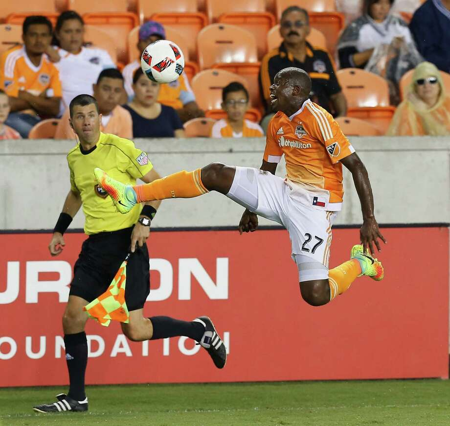 Houston Dynamo midfielder Oscar Garcia (27) attempts to run down a pass during the second half against Toronto FC during an MLS soccer match Sunday, Aug. 14, 2016, in Houston. Toronto FC and Houston played to a 1-1 draw. (AP Photo/Bob Levey) Photo: Bob Levey, Associated Press / AP