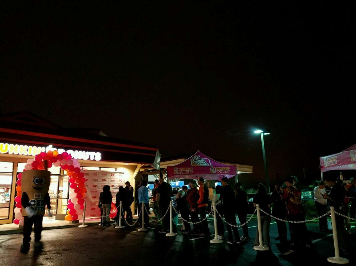 A line formed out the door of the new Half Moon Bay Dunkin Donuts opened Aug. 15, 2016.