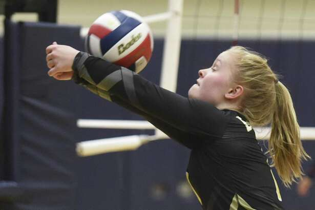 Brennan's Makenna Hanssen amassed 55 digs and six aces as the Bears swept Jay and Warren to move into District 28-6A's final playoff spot.