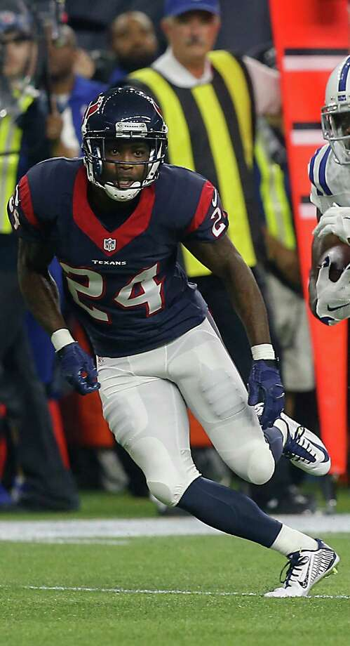HOUSTON, TX - OCTOBER 08:  Andre Johnson #81 of the Indianapolis Colts runs past Johnathan Joseph #24 of the Houston Texans after completeing a catch at NRG Stadium on October 8, 2015 in Houston, Texas.  (Photo by Bob Levey/Getty Images) Photo: Bob Levey, Contributor / 2015 Getty Images