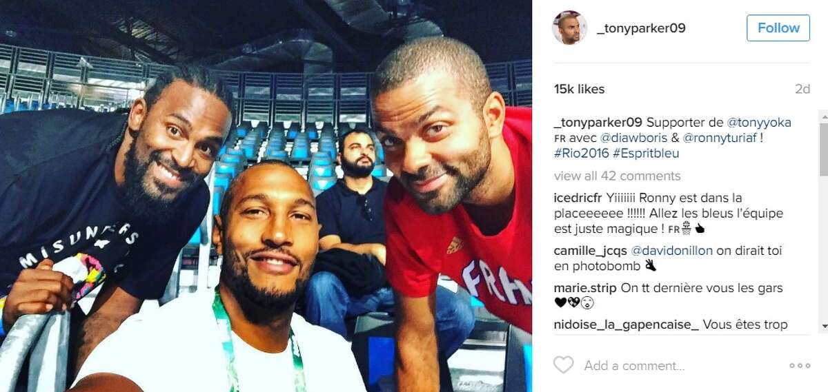 """Supporter de @tonyyoka avec @diawboris & @ronnyturiaf ! #Rio2016 #Espritbleu,"" @_tonyparker09."