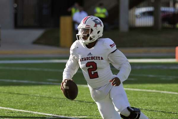 Atascocita quarterback Daveon Boyd, above, and wide receiver Alerick Soularie return to lead the Eagles back to the UIL playoffs this fall.