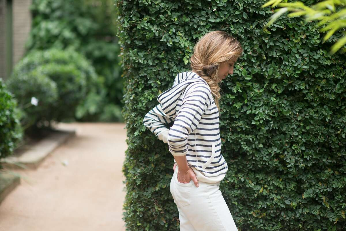 Eight�+Sand's clothing line of impeccably tailored basics such as T-shirts, hoodies, and button-down shirts features a fit system the founders designed to more accurately represent women's bodies.