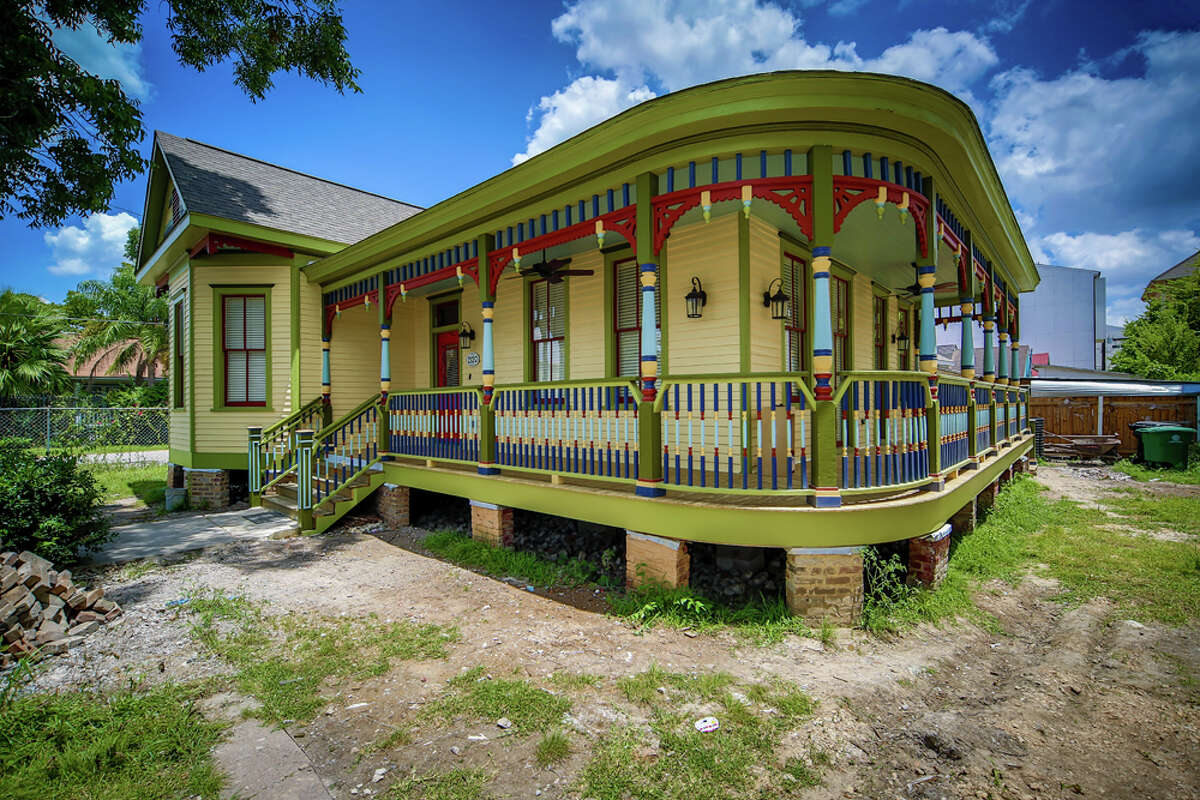 This historic home on Sabine Street earned a 2016 Good Brick Award from Preservation Houston. It was restored by Dominic Yap and Lin Chong of First Ward Heritage and is a City of Houston Protected Landmark.