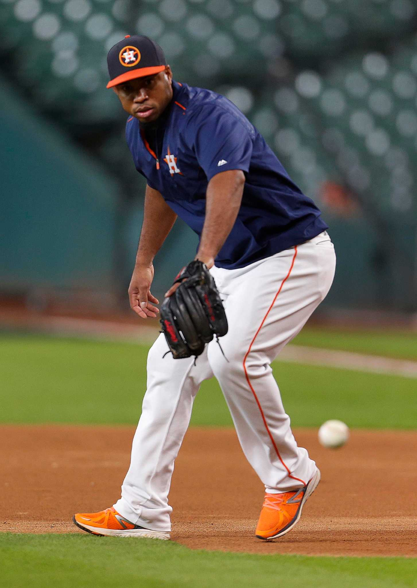 Astros Luis Valbuena Trending In The Right Direction