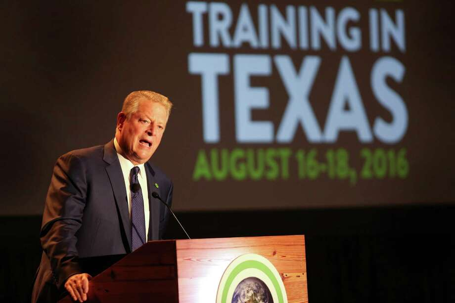 Al Gore kicks off a three-day Climate Reality Project conference activist training conference at the Hilton Americas-Houston Tuesday, Aug. 16, 2016, in Houston. ( Steve Gonzales  / Houston Chronicle  ) Photo: Steve Gonzales / © 2016 Houston Chronicle