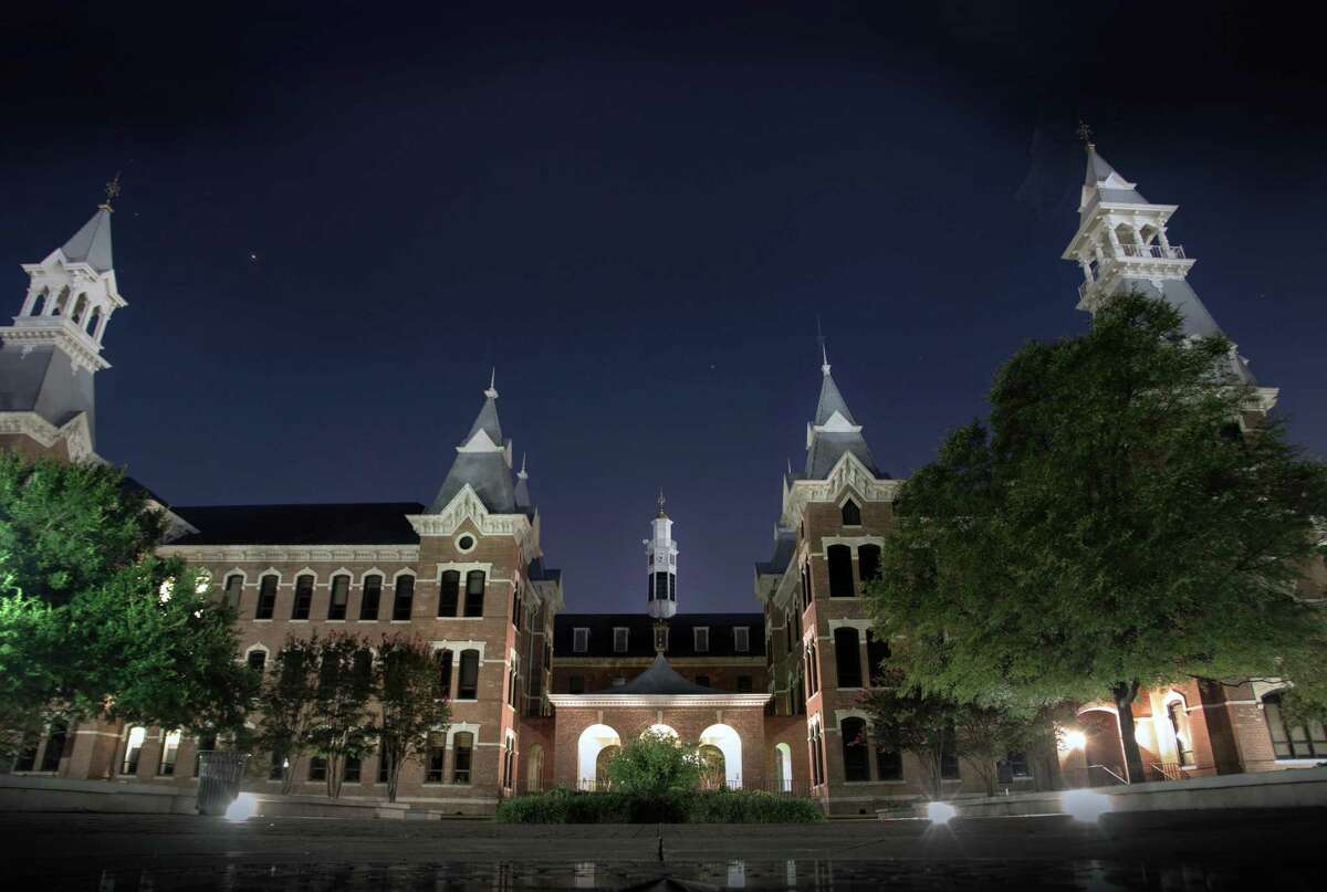 Architectural Digest has released its ranking of the 50 Most Beautiful Colleges in America. No. 37: Baylor University Baylor scored a spot of the list thanks primarily to its Georgian-style buildings, including Pat Neff Hall named after the former Texas governor who later became president of the university. >>> Scroll through to see more of Architectural Digest's Top 50 Most Beautiful College Campuses in America, including two more Texas universities.
