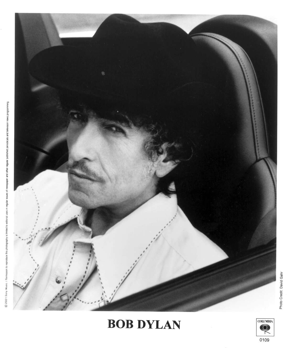 Bob Dylan. HOUCHRON CAPTION (09/16/2001): Bob Dylan musically travels from the Dust Bowl to the bayou in ``Love and Theft.