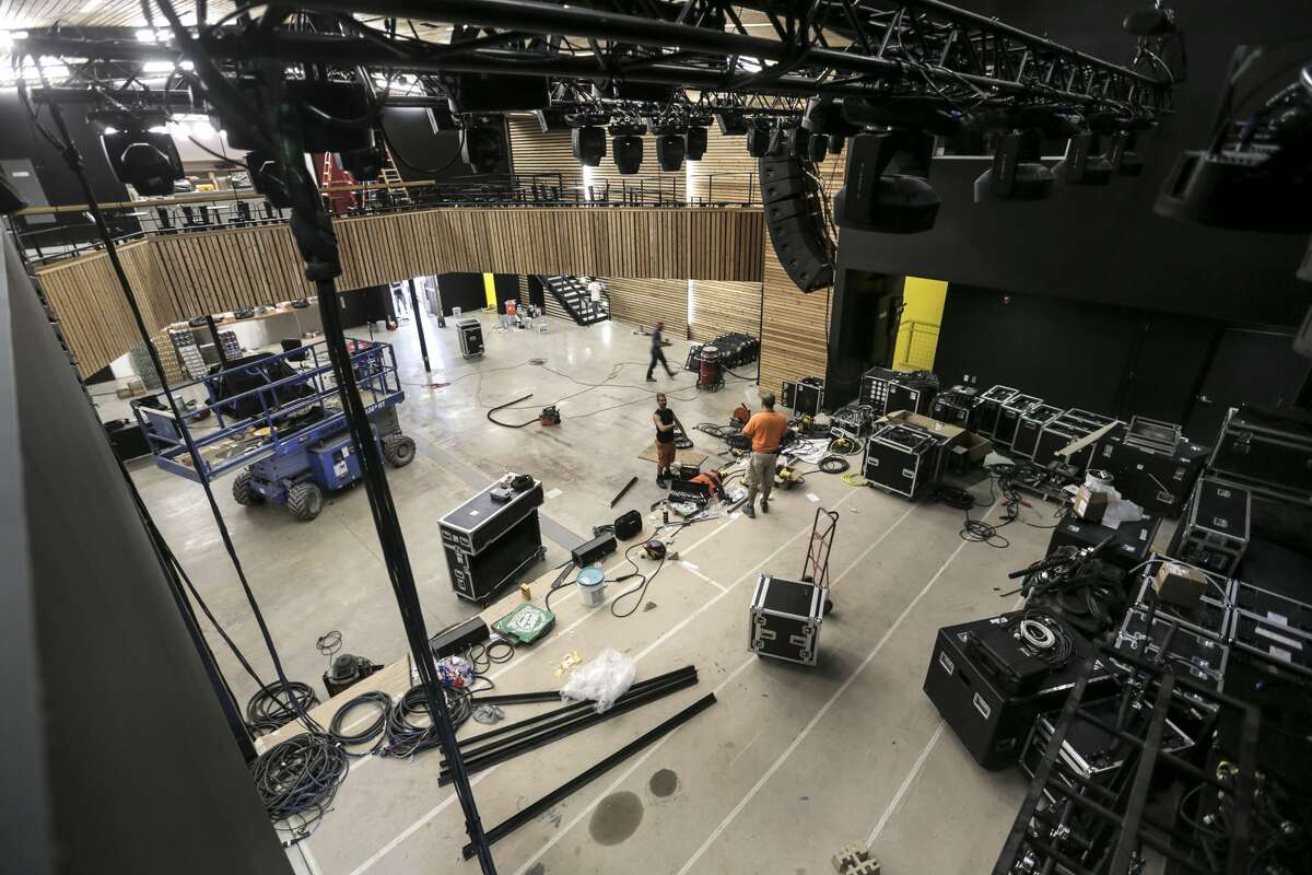 Contractors work on the main stage at White Oak Music Hall on Tuesday, Aug. 16, 2016, in Houston. ( Elizabeth Conley / Houston Chronicle )