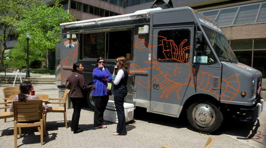 Veterans Park Stamford Food Trucks