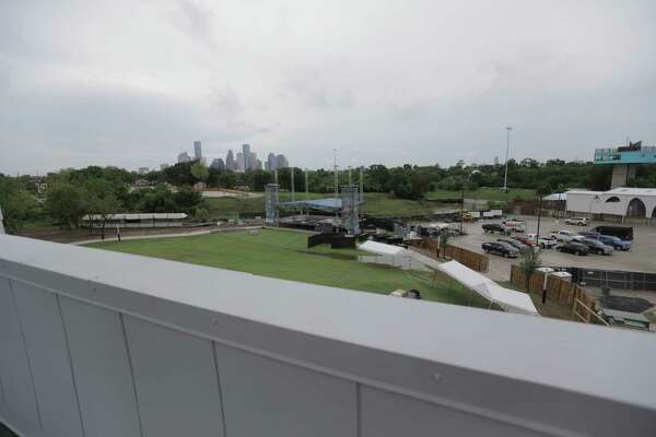 Mayor says outdoor White Oak stage cannot remain 'temporary