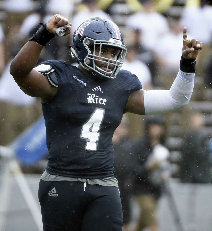 Rice linebacker Alex Lyons (4) celebrates Owls' 38-31 victory over Army in an NCAA college football game, Saturday, Oct. 24, 2015, in Houston. (AP Photo/Eric Christian Smith) Photo: Eric Christian Smith, FRE / FRE171023 AP