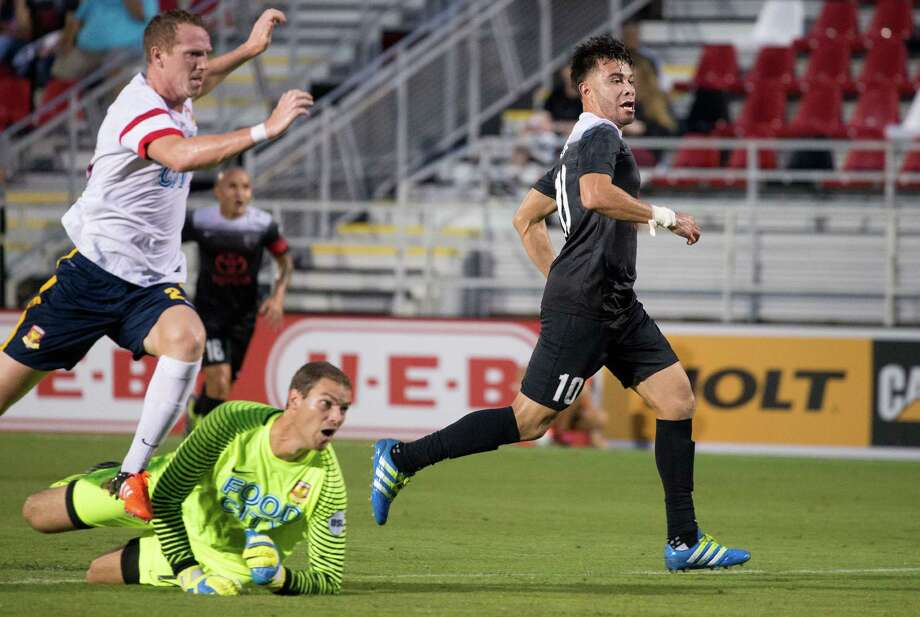 Image made during the first half of a USL soccer match between Arizona United FC and San Antonio FC, Wednesday, Aug. 17, 2016, at Toyota Field in San Antonio, Texas. (Darren Abate/USL) Photo: Darren Abate, STF / Darren Abate/USL / Darren Abate Media, LLC