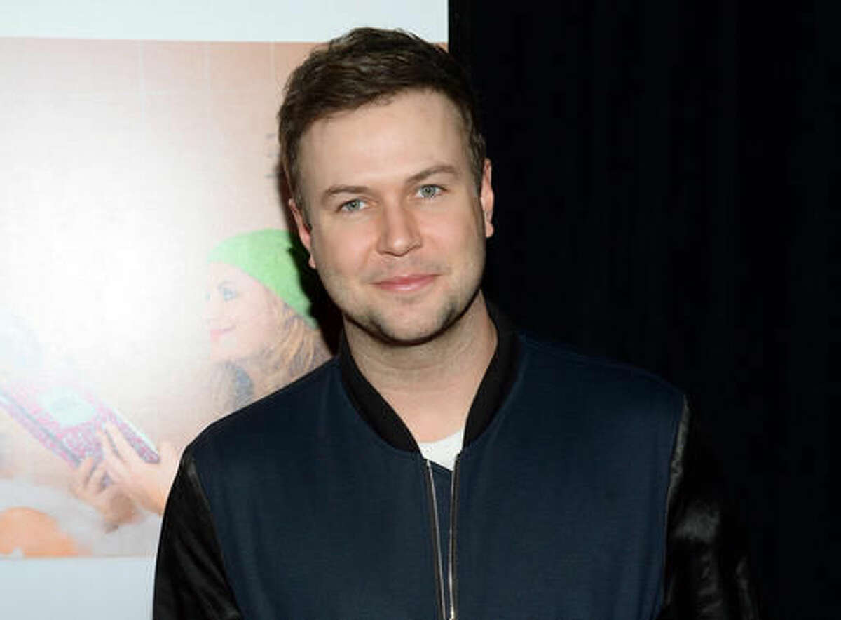 """FILE - In this Dec. 8, 2015 file photo, Taran Killam attends the premiere of """"Sisters"""" in New York. Killam and Jay Pharaoah, former cast members of """"Saturday Night Live"""" will star in their own series for Showtime. (Photo by Evan Agostini/Invision/AP, File)"""