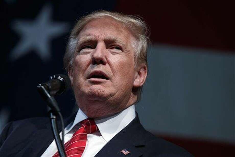 El candidato republicano a la presidencia, Donald Trump, habla durante un mitin de campaña en el Crown Arena, el martes 9 de agosto de 2016, en Fayetteville, North Carolina. (AP Foto/Evan Vucci) Photo: Evan Vucci