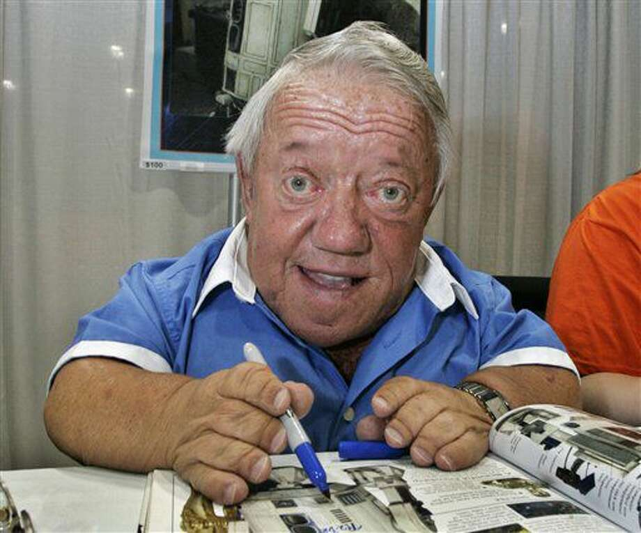 "Foto tomada el 26 de mayo del 2007 en Los Angeles de Kenny Baker, el actor que hizo el papel de R2-D2 en ""Star Wars"" y quien falleció el 13 de agosto del 2016. (AP Photo/Reed Saxon, File) Photo: Reed Saxon"