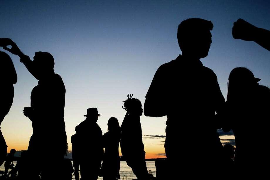 Neighborhood complaints lead to new Alki Beach patrols at night Photo: GRANT HINDSLEY, SEATTLEPI.COM / SEATTLEPI.COM