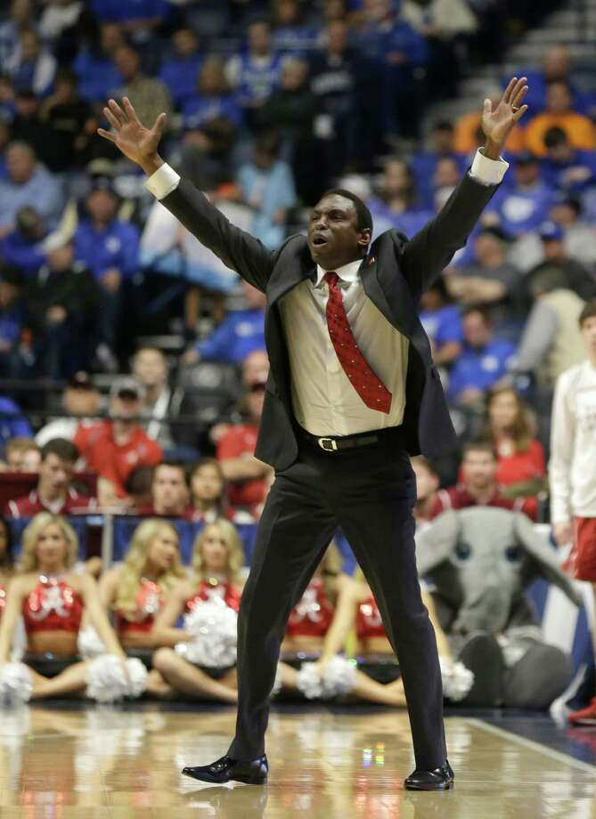Alabama head coach Avery Johnson reacts to a call during the first half of an NCAA college basketball game against Kentucky in the Southeastern Conference tournament in Nashville, Tenn., Friday, March 11, 2016. Photo: Mark Humphrey, AP / AP