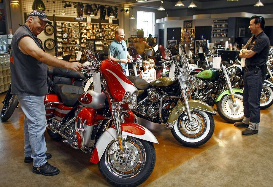 A new 2008 Harley-Davidson Screamin' Eagle Ultra motorcycle is seen at the Harley-Davidson of Glendale dealership in Glendale, Calif. Photo: Damian Dovarganes, Associated Press