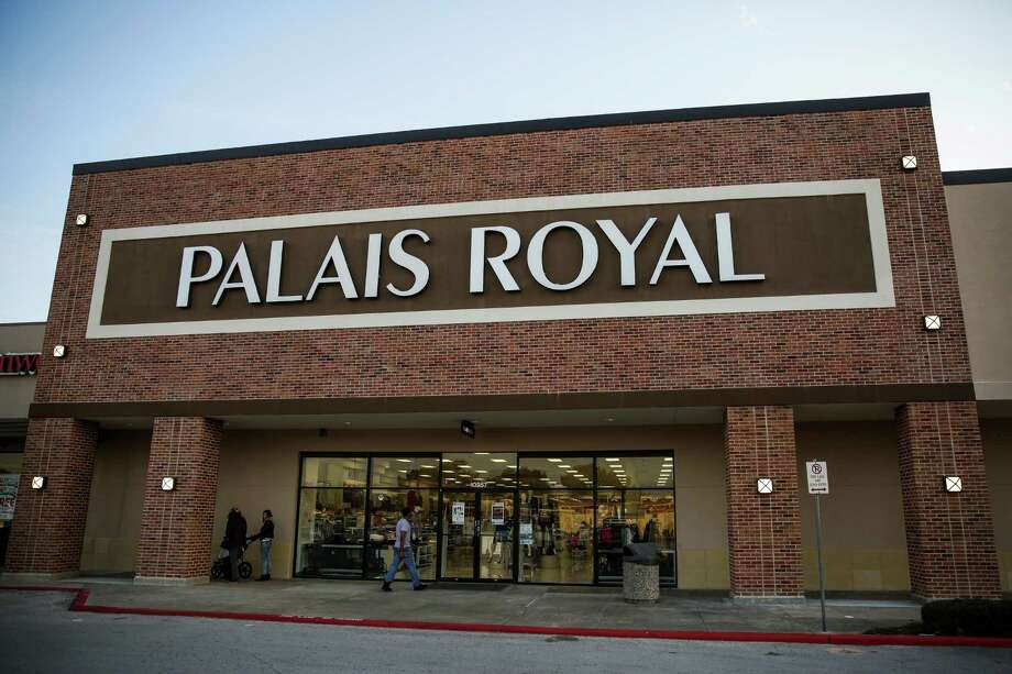 Shoppers walk into Palais Royal at the Westchase Shopping Center Monday, Jan. 11, 2016, in Houston. Stage Stores, owner of Palais Royal and other retailer stores, announced a drop in holiday sales of 2.5 percent this season. ( Michael Ciaglo / Houston Chronicle ) Photo: Michael Ciaglo, Staff / © 2016  Houston Chronicle