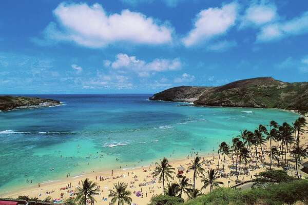 UNITED STATES - APRIL 23: Hanauma Bay Beach, island of Oahu, Hawaii, United States of America. (Photo by DeAgostini/Getty Images)