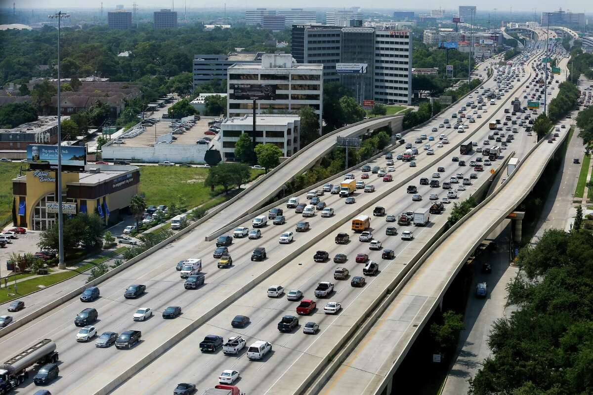 The report by TRIP, based in Washington, looked at major roads and freeways, finding 60 percent of Houston's major thoroughfares are in poor or mediocre condition, ranking 34th out of 70 metro areas.