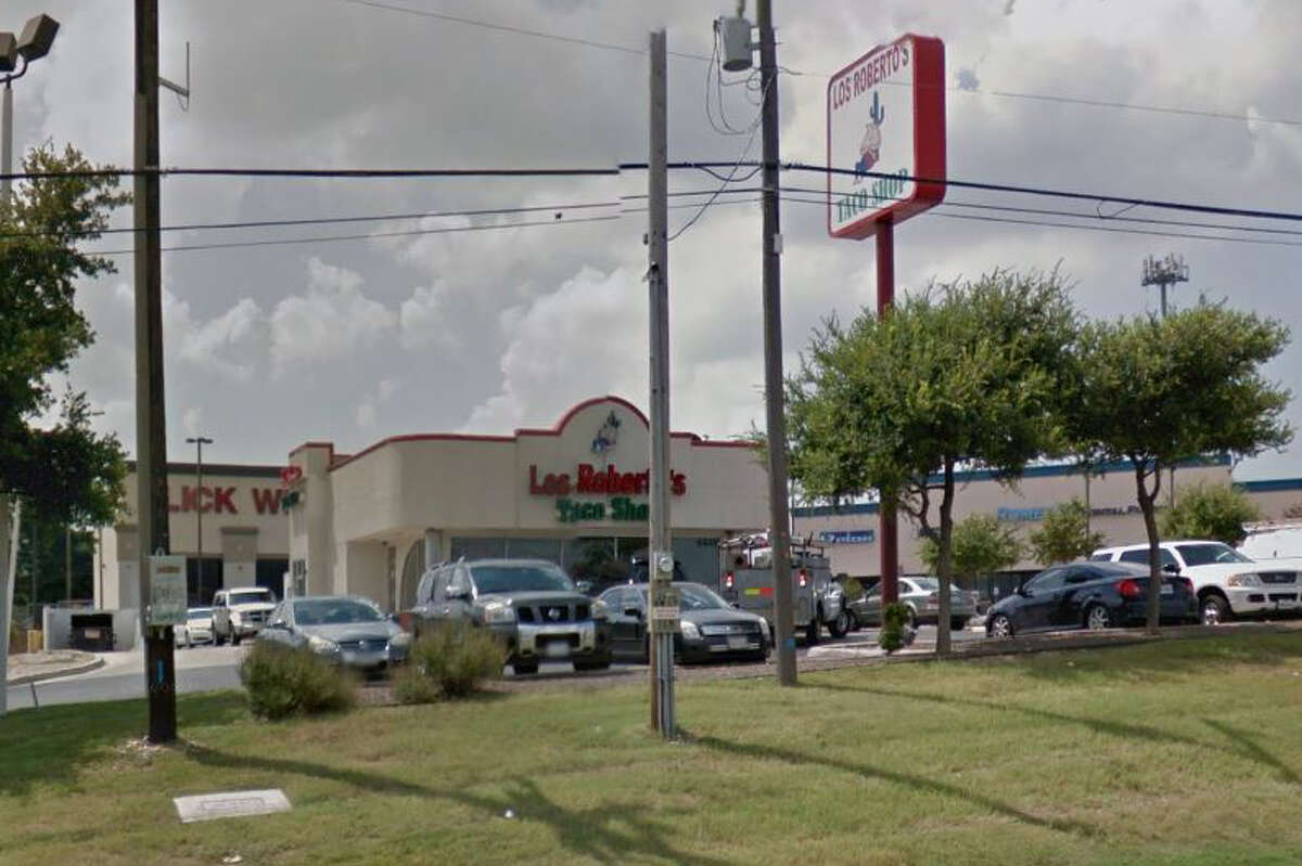 Los Robertos Taco Shop:6446 NW Loop 410Taco: Rolled Chicken TaquitosRating: 4.75 Price: $4/plate