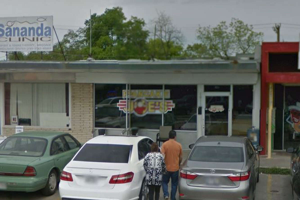 Pancake Joe's: 1011 Donaldson Ave., San Antonio, Texas 78228Date: 08/17/2016 Score: 77Highlights: Inspector observed